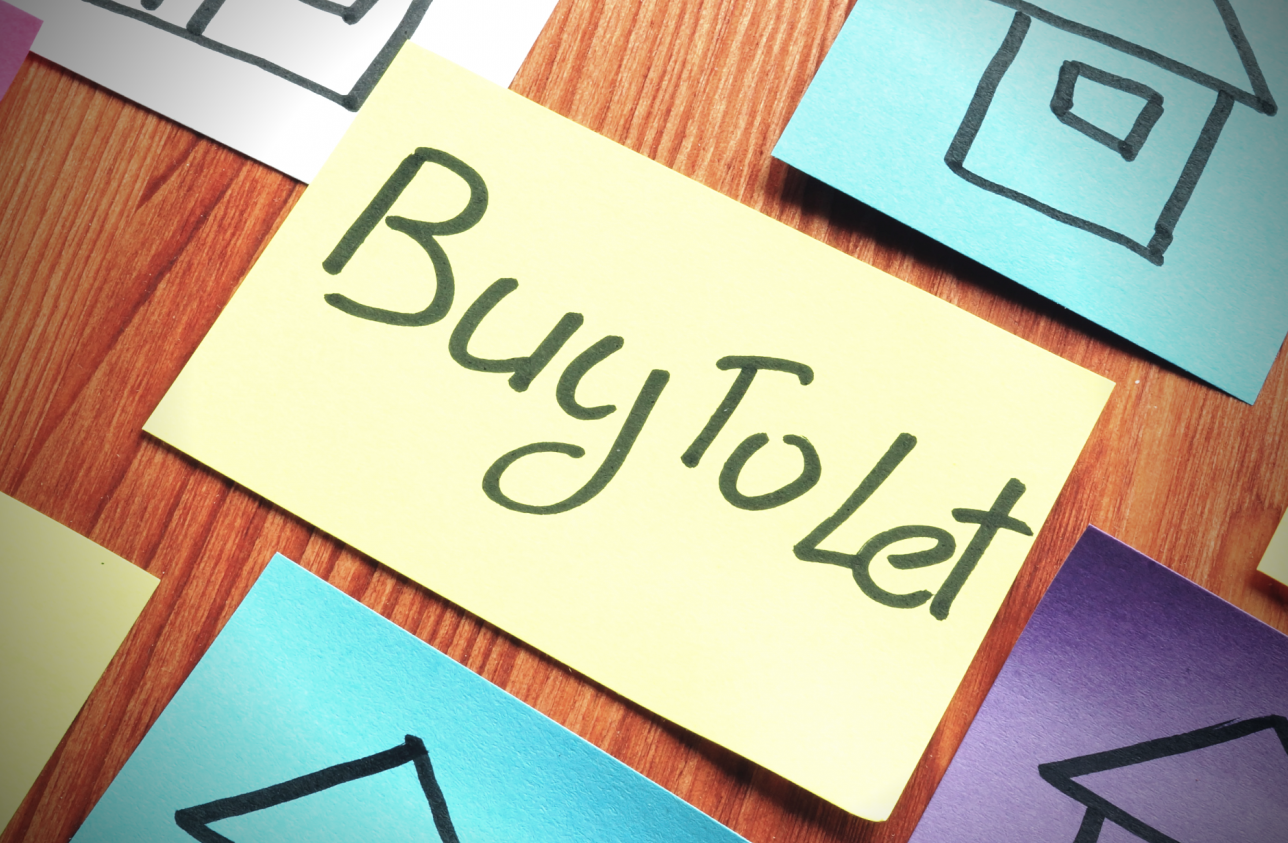 Post it note saying Buy to Let for website J&J Commercial Finance